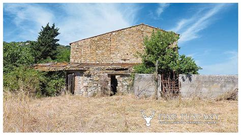 houses for sale in italy country house for sale in pomarance tuscany italy finetuscany com