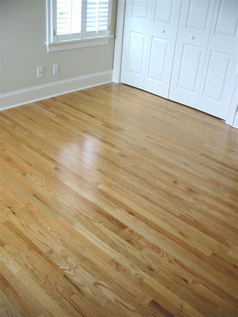 Water Based Or Based Polyurethane For Hardwood Floors by 1000 Ideas About Oak Floors On Oak