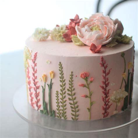 latest cake trend  unbelievably stunning cake buttercream flowers  flower