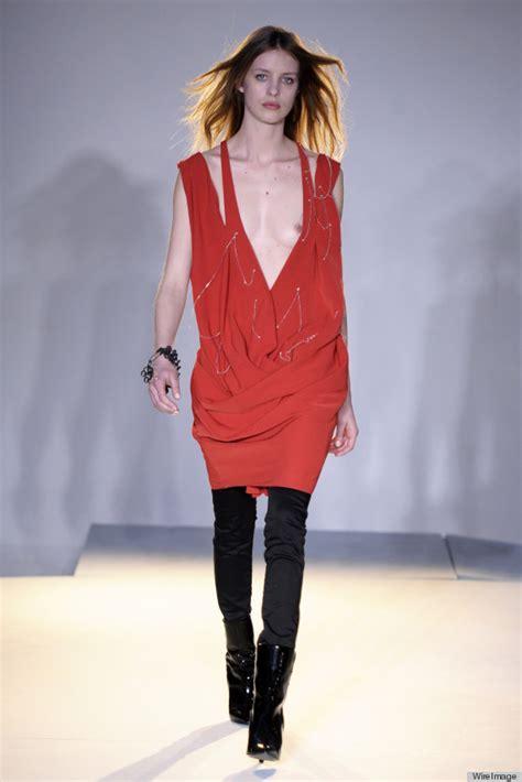 preteen model nipslip celebrity news photos model suffers nip slip on the runway