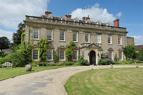 english castle on airbnb 16 vacation homes you can rent 16 incredible mansions in the uk where you must sleep over