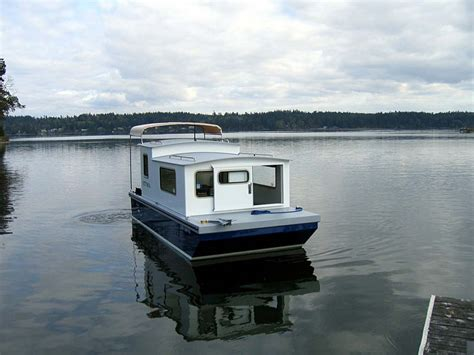 Small Efficient Home Plans houseboat devlin designing boat builders