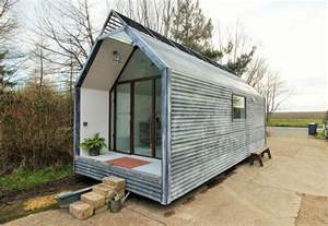 Modern Tiny Homes modern tiny houses on wheels galleryhip com the