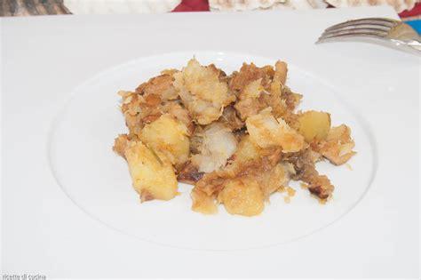 come cucinare la pescatrice rana pescatrice con funghi e patate ricette di cucina