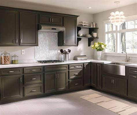 diamond kitchen cabinets 25 best ideas about diamond cabinets on pinterest