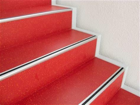 Pvc Boden Treppe Verlegen by Linoleum Cv Belag1 Linoleum Im Treppenstufenbereich In