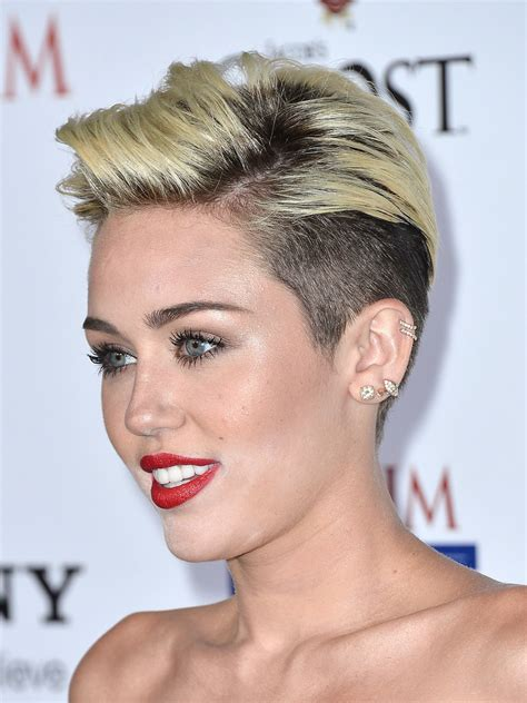 Lipstik Hare Original Saudi miley cyrus attended the maxim 100 with powder