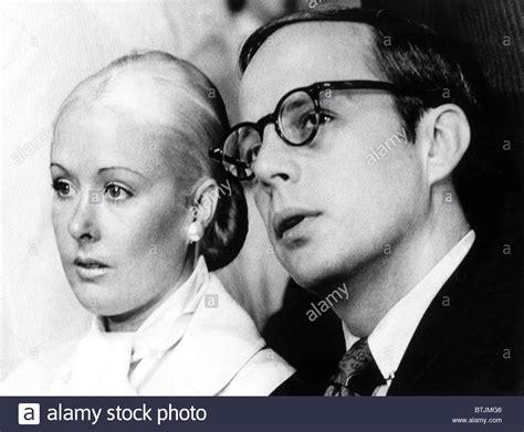 John W Dean Iii Right Maureen Dean Is A Photograph By Everett Which | john w dean iii right maureen dean left in the