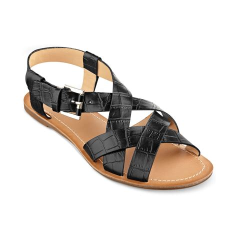 hilfiger sandals hilfiger womens lorinda flat sandals in black black