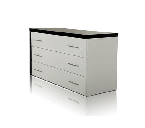 dreamfurniture com evans transitional mirror dresser dreamfurniture com infinity contemporary dresser and