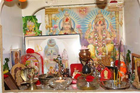 file hindu home temple jpg wikimedia commons