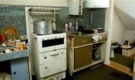Dennis Kitchen Photography by A Bargain Flat Where Killer Boiled His Victims Uk