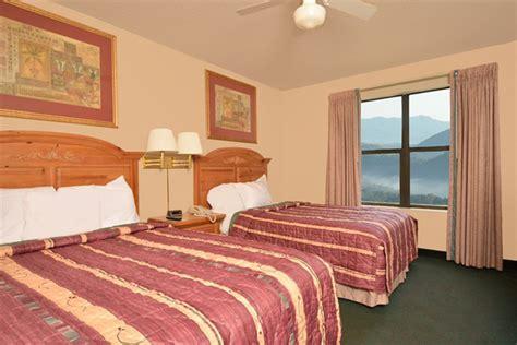 pigeon forge 2 bedroom suites 449 pigeon forge all seasons suites 6 days spring break