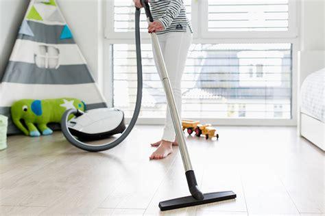 pulire pavimenti come pulire il pavimento in laminato skema
