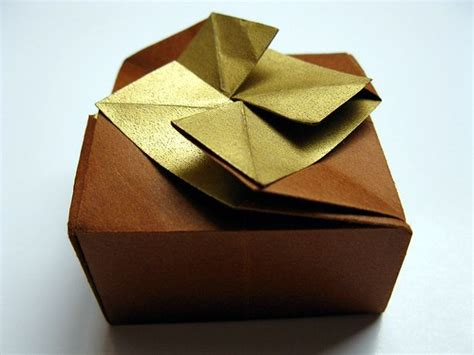Gift Wrapping Origami - 10 more reuse ideas for food packaging cereal boxes