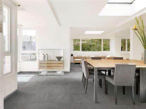 piastrelle grigio antracite abbinamenti pavimento grigio foto design mag