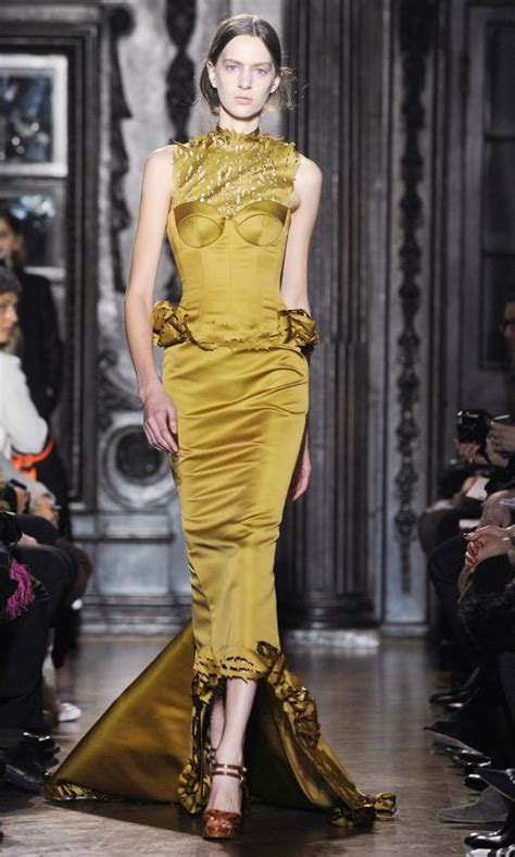 Shiny Fashion Tv Giles Deacon Gold 183 best images about gold on marchesa louis