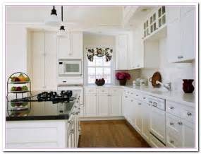 Decorating Ideas For Kitchens With White Cabinets by White Kitchen Design Ideas Within Two Tone Kitchens Home