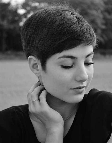 face framing short haircut 15 face framing short pixie hairstyle ideas crazyforus