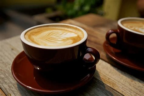 The Great Debate: How To Make A Cafe Latte