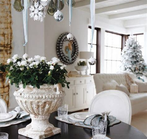 indoor holiday decorating with the home depot on facebook the martha stewart blog d 233 corer sa maison pour no 235 l en plus de 50 id 233 es magiques