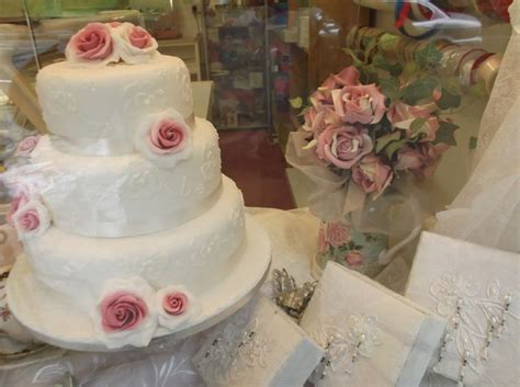 Wedding Cake Retailers by Bournville Bread Basket Cake Maker In Bournville