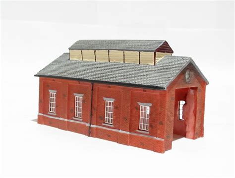 N Engine Shed by Hattons Co Uk Hornby N8005 Engine Shed Lyddle End Range