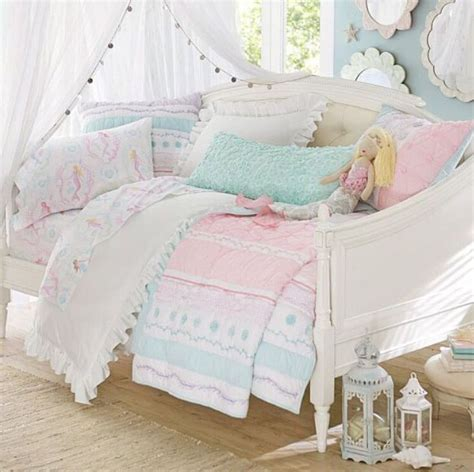 daybed bedroom ideas best 25 girls daybed ideas on pinterest girls daybed