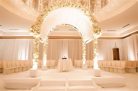 Luxury Wedding Decoration Ideas on eWeddingInspiration.   eWeddingInspiration