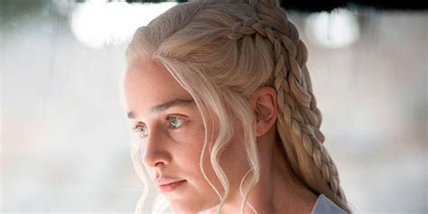who is the blonde in game of war commercial name blonde female game of war emilia clarke just went