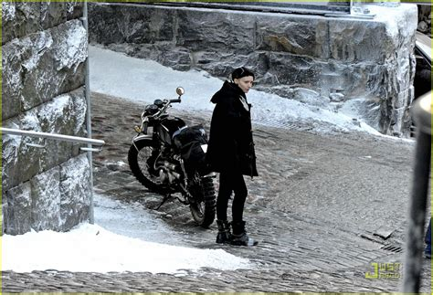 rooney mara girl with the dragon tattoo 1000 images about cafe racer on
