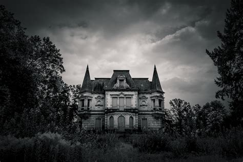 haunted house by nassimhasan on deviantart