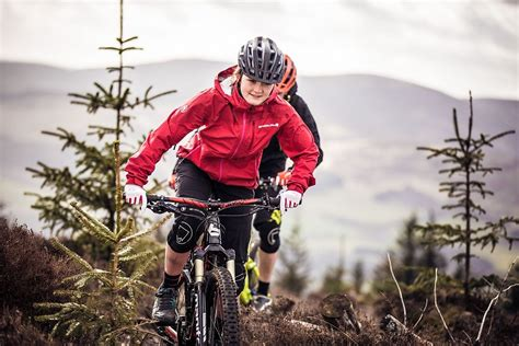 mountain bike jacket endura launches new singletrack mountain biking rain