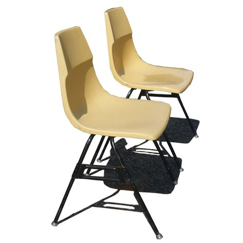 Krueger Chairs by 2 Vintage Krueger Fiberglass Stacking Side Chairs