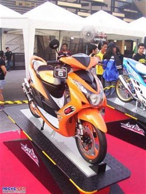 2010 Yamaha Mio Mio Sportt new style motorcycle modification november 2010
