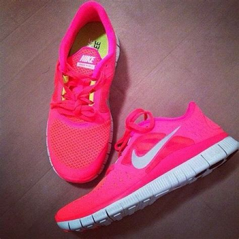 run shoes pink nike image 782629 on favim