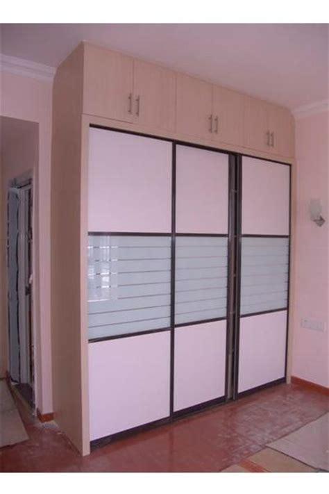 modern bedroom door designs with glass