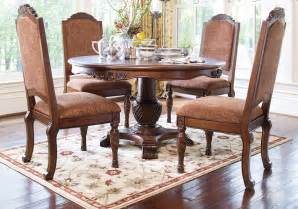Lexington Dining Room Set North Shore Round Pedestal Dining Table And 4 Upholstered