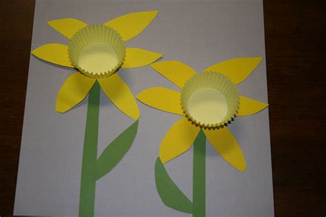 daffodil craft for musings of me another craft daffodils