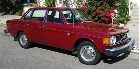 volvo  red automatic  door    classic volvo    sale