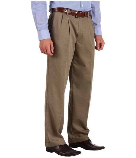 dockers s comfort waist khaki d3 classic fit pleated