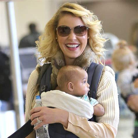 heigl takes a break to take some puffs from her electronic cigarette katherine heigl and daughter adalaide kelley pictures