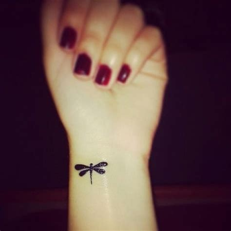 tattoo on wrist regret 29 adorable tattoos you ll never regret amazing tattoos
