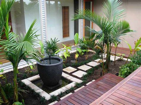 Landscape Gardening Ideas For Small Gardens Small Garden Design Ideas Corner