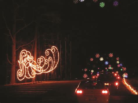 best places in hton roads to look at holiday lights