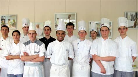 concours de cuisine pour apprentis r 234 ve en cuisine pour yann adingra lors du concours un des