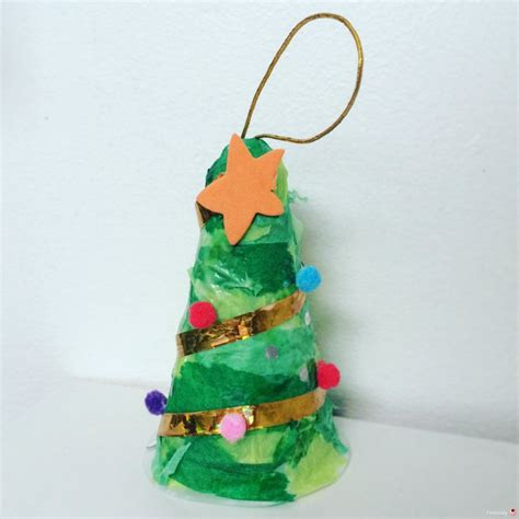 christmas tree decoration from recycled materials