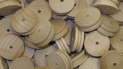 making a wooden l 50x wooden car train wheels pulleys 30mm x 10mm toy