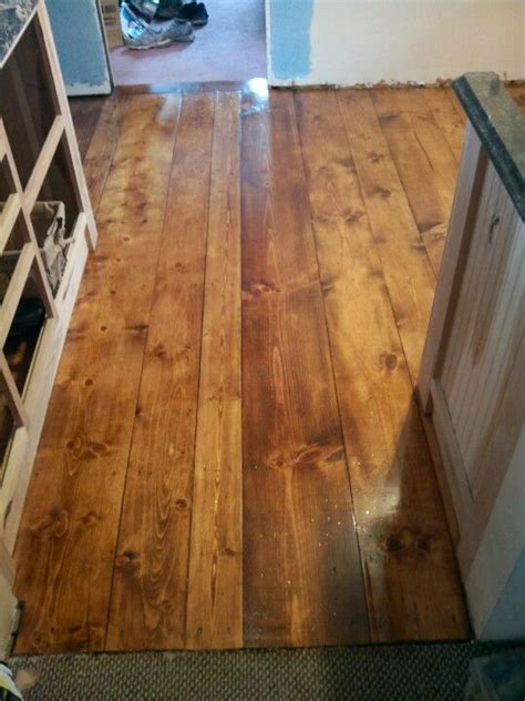 waterlox pine plank floor   coat  varathane