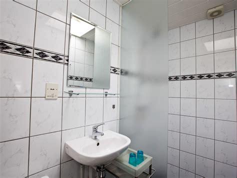 Toilette Mit Dusche Und Fön by Ferienwohnung Quot The House Quot Egmond Aan Zee Firma